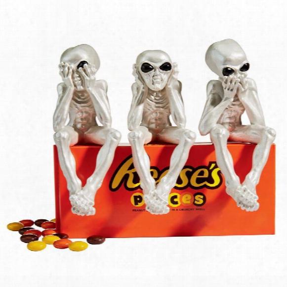 See-no, Hear-no, Speak-no Alien Lifeform Sitting Statues