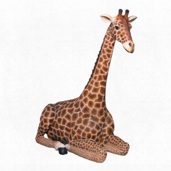 Dakarai Grande-scale Sitting Giraffe Garden Statue