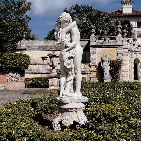 La Passion Grande Sculpture
