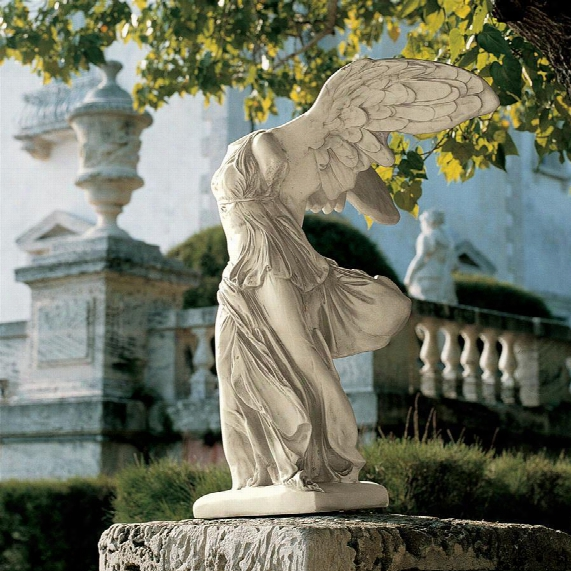 Nike Of Samothrace Statue