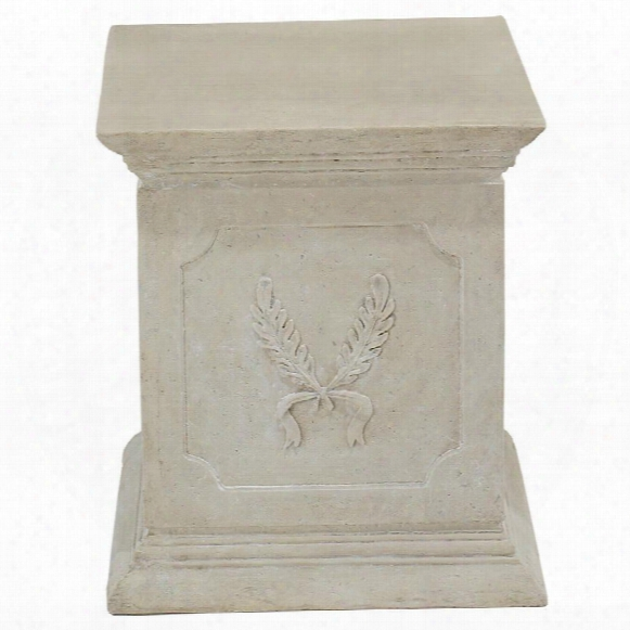Laurel Plinth