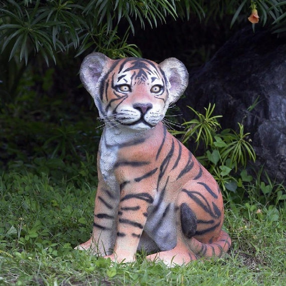 The Grand-scale Wildlife Animal Collection: Sitting Bengal Tiger Cub Statue