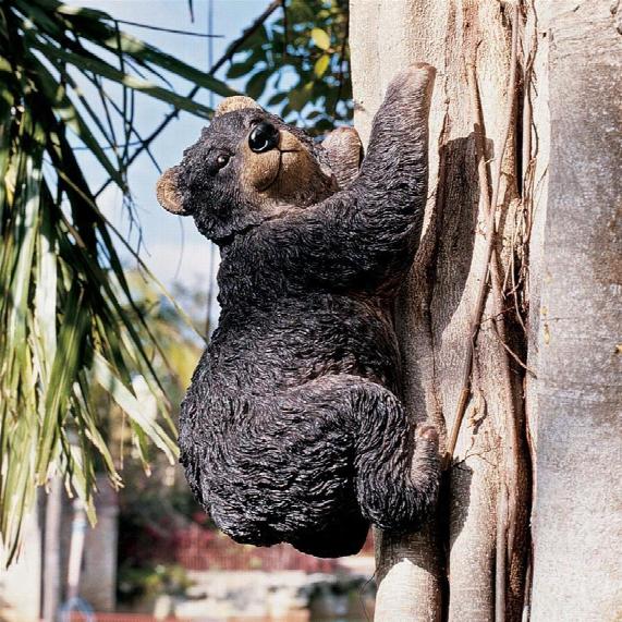 Yonva, The Climbing Bear Sculpture