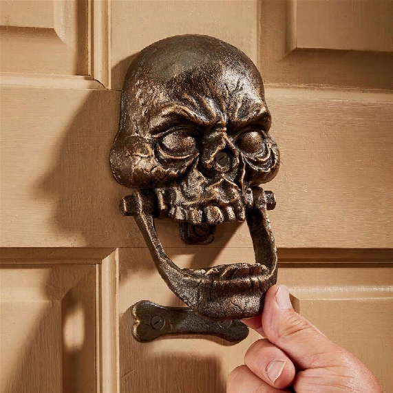 Knock-jaw Skull Foundry Cast Iron Door Knocker: Medium