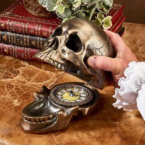 Memento Mori Skull Clock