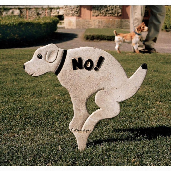 No Pausing Pooch Lawn Sign: Large