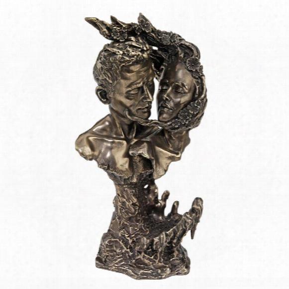 Eternal Lovers Statue