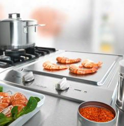 "Cs1327 15"" Y Tepan Yaki Combiset With Front Control Panel Stainless Steel Knobs Residual Heat Indicators Two Heating Circuits And Adjustable Heat In"
