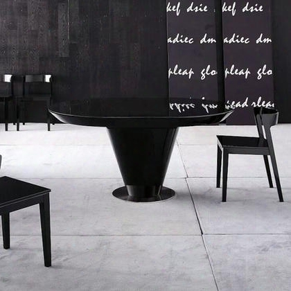 Vgwccrow Crow Collection Black Lacquer Round Extendable Dining Table With Uniquely Shaped
