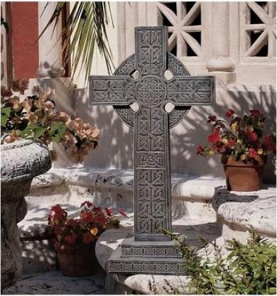 Bannockburj Celtkc Cross Sculpture