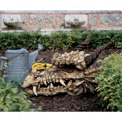 Stoker's Moors Dragon Skull Sculpture: Large