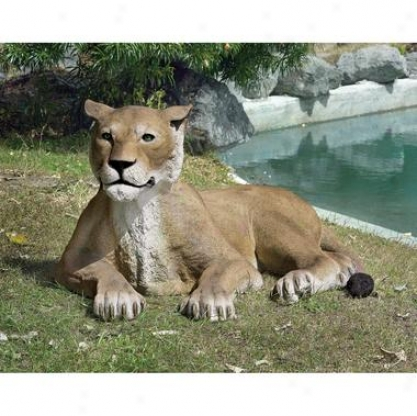 The Grand-scale Wildlife Beast Collection: Lioness Lying Down Statue