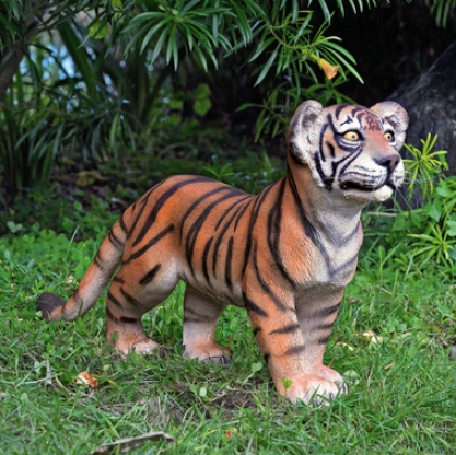 The Grand-scale Wildlife Animal Collection: Standing Bengal Tiger Cub Statue