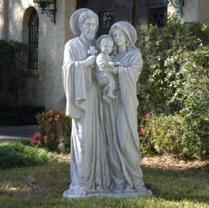 Tne Holy Family Sculpture Estate