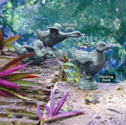 The Lindell Pond Bronze Ducks Spitting Garden Statue Collection: Set Of 3