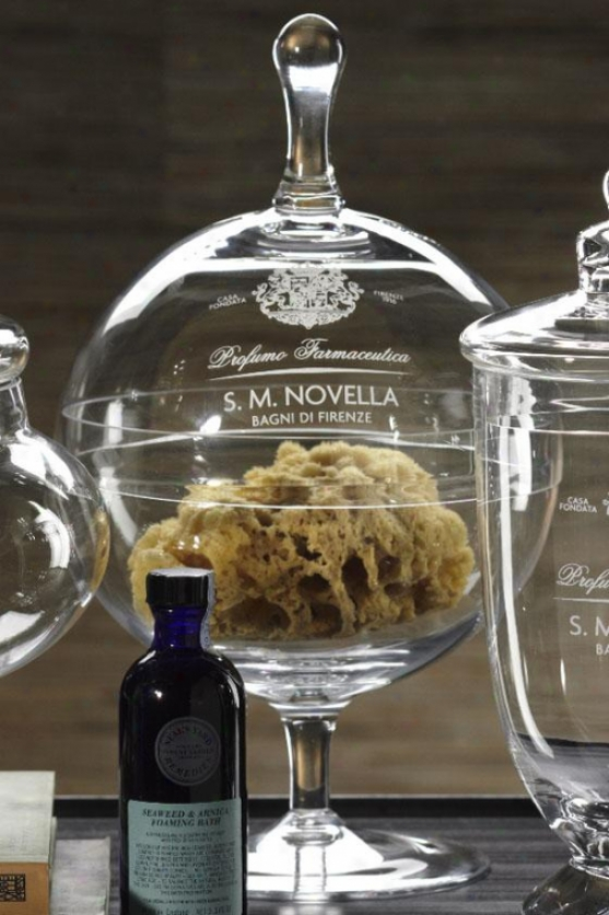 Novella Giass Jar With Lid - Footed Jar, Clear
