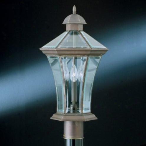 M5618-62 - Thomas Lightiing - M5618-6Z > Post Lights