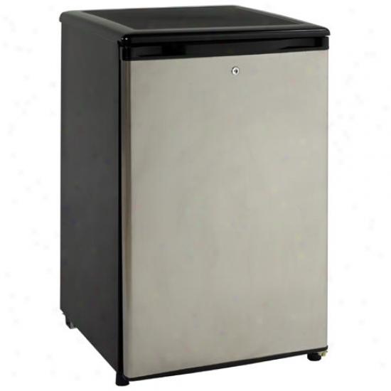 Avanti 4.5 Cu. Ft. Beverage Cooler - Stainless Steel