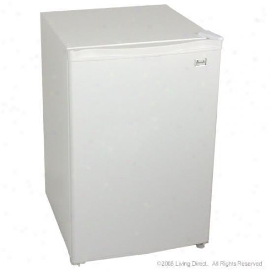Avanti 4.5 Cu Ft Refrigerator - White