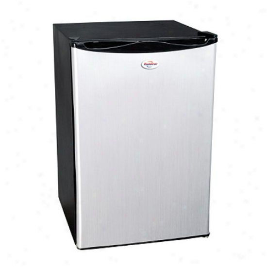 Koolatron 4.6 Cu. Ft. Comressor-based Refrigerator - Black