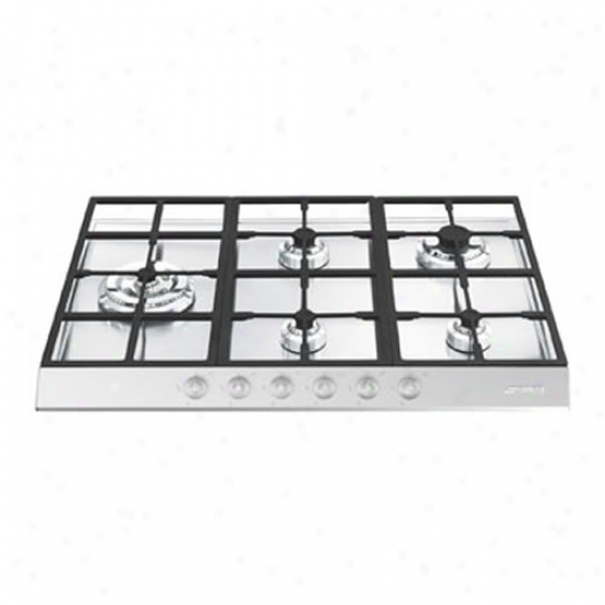 Smeg Linear Design 28 Inch Cooktop By the side of Suspended Grates